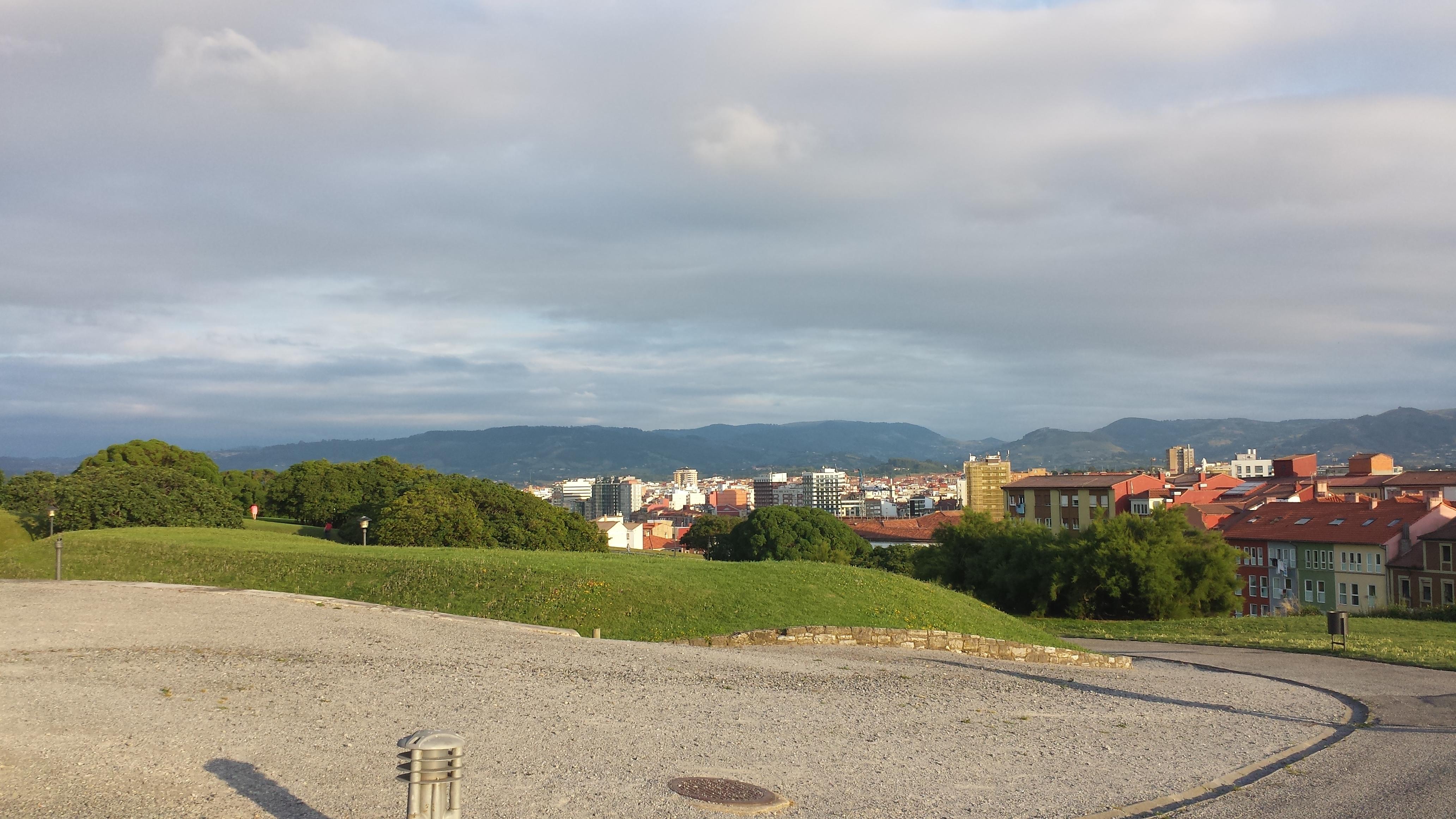 Vista de Gijon desde Cimadevilla